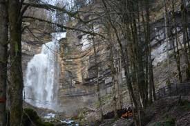 """Cascade du hérisson le """"grand saut en hiver"""""""