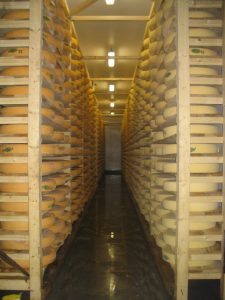 Stock d'affinage de fromage de comté