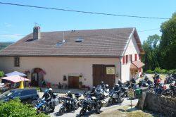 Groupe de motards à l'Auberge du tilleul
